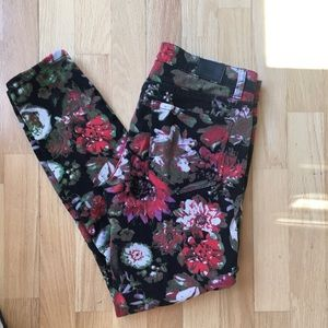 🌹 BDG Twig Mid-Rise Floral Print Jean